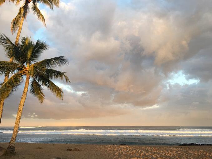 ハワイの海岸の景色