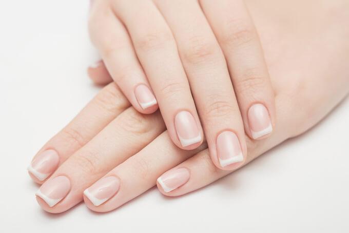 女性の爪の画像