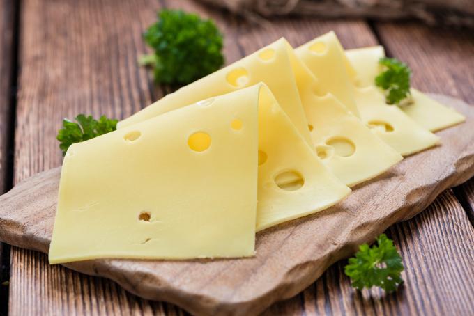 スライスされたチーズの画像