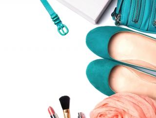 「ターコイズブルー、ツヤ肌、ゆる巻き髪」カリスマ美容家・神崎恵さんの自分らしさの見つけ方とは?