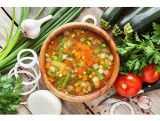 抗酸化&免疫力対策に! 彩り野菜たっぷりのピリ辛スープ