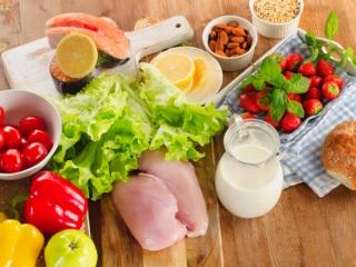 さまざまな食材が並べられている画像