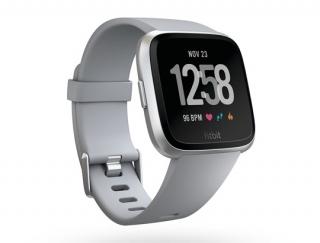 フィットネスライフが楽しくなる!最新のスマートウォッチ「Fitbit versa」