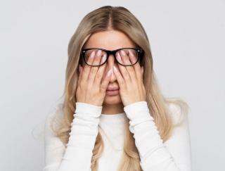 5つのツボで健康体に! 医師が教える眼精疲労や肩こりの解消法