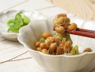 美肌と体調管理にもってこい!? 免疫力を高める「納豆焼き」で腸活!