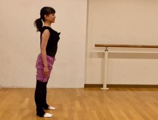 バレエダンサーが教える!反り腰対策におすすめのストレッチ