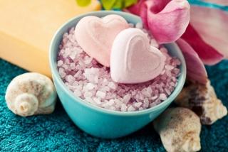 11月〜1月生まれの3月は、スリリングな恋愛の予感。入浴剤で香りを楽しんで!