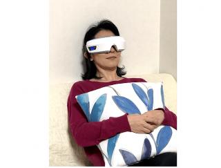 がんばらなくていい、手間もいらない! 顔の専門家が「ドクターエア 3Dアイマジック」をお試し