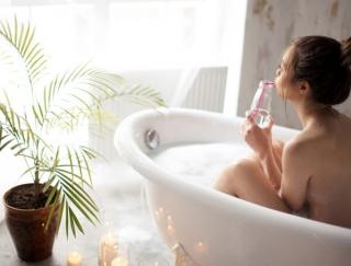 女性の不調「冷え性・生理痛・PMS・更年期障害」が軽減するお風呂の入り方を紹介!