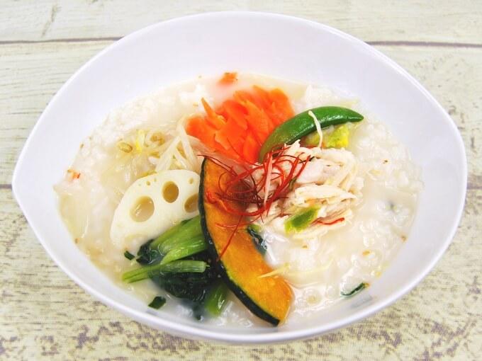 お皿に移した「生姜香る! 鶏白湯スープごはん」の画像