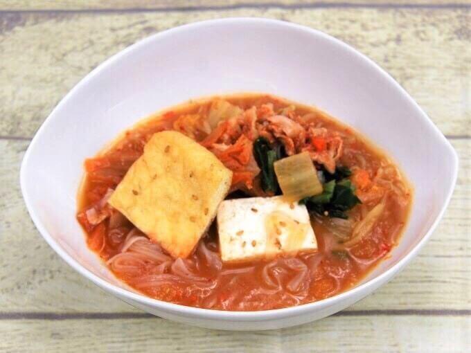 お皿に移した「豚キムチ鍋」の画像