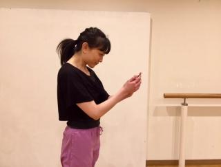 バレエダンサーが教える、スマホネック対策におすすめのストレッチ