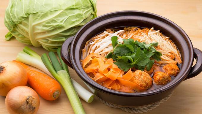 野菜の鍋料理レシピ3選!キャベツやタマネギたっぷりの変わり鍋