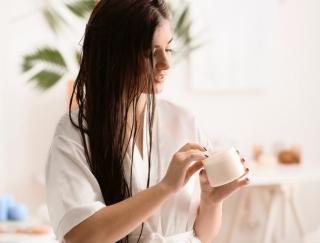 女医が実践!春のパサパサ髪を回避する正しいヘアケアレシピ