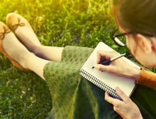 心の変化を記録できるアプリ「感情日記帳『こころカルテ』」