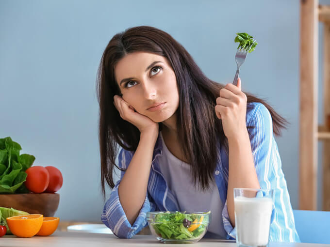 ダイエットをする女性の画像