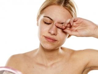 """専門医に聞く。""""目""""にくる花粉症は、点眼薬&点鼻薬でのケアがおすすめ。"""