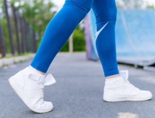 自動で歩数や消費カロリーを記録してくれるアプリ「歩数計 Accupedo」