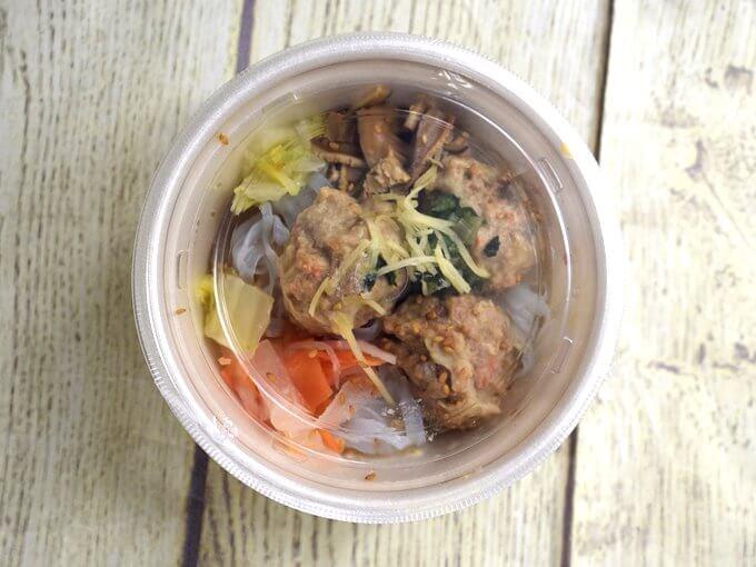 パッケージに入った「ごぼうと蓮根のつくね入り和風スープ」の画像