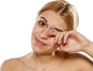 目がツラい人の花粉症対策に、「洗眼」の新しいケアアイテム登場。