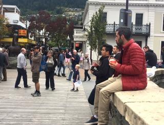 並んでも食べたい!クィーンズタウン名物のアイスとハンバーガー【ニュージーランド#5】