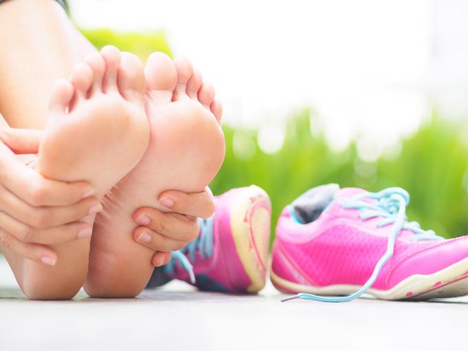 運動靴と足