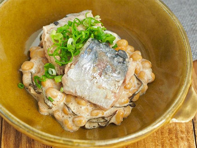 「黒酢」+「魚のオイル(さば缶)」 さばの納豆ボウル