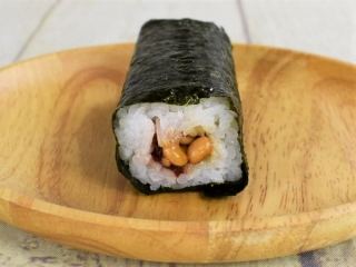 「手巻寿司 梅黒酢納豆」の正面の画像