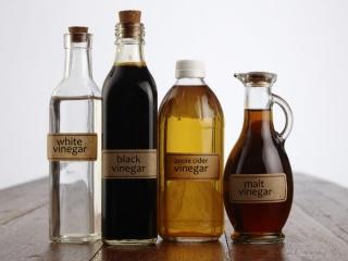 4種類のお酢の写真