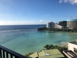 ホテルからみた美しい海の景色