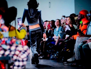 ニューヨーク・ファッション・ウィーク史上初!トランスジェンダーのデザイナーによるコレクションをレポート