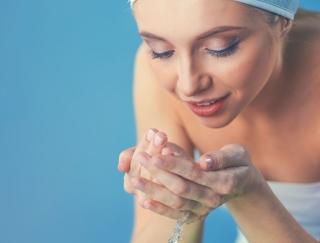 洗う順番に要注意! プロ直伝の美肌になれちゃう洗顔方法♡