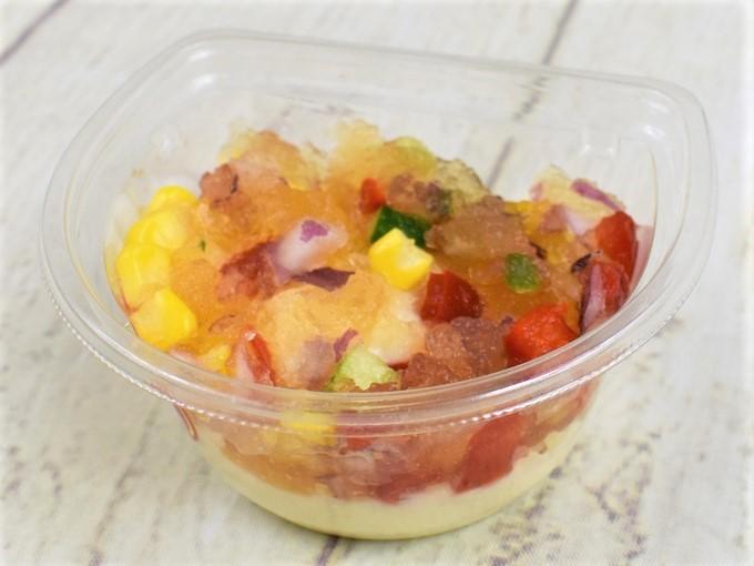 フタを取った「ジュレとマッシュポテトのサラダ」の斜めの画像