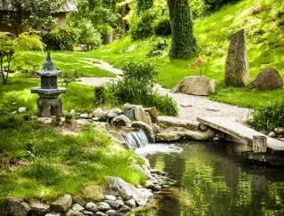 5〜7月生まれの5月は、自分流のダイエット法が確立。リッチな庭園でのんびりすると◎