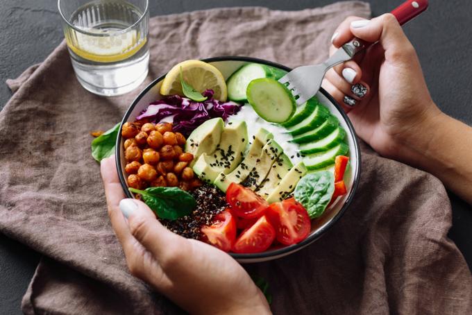野菜たっぷりサラダの画像