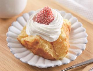 """""""ふわっふわ""""のスポンジに濃厚クリーム♪ いちごの甘さも魅力的なローソンの「ふわふ~わ -ふわっふわケーキ-」"""