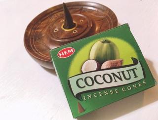 ココナッツの香りで南国気分!? コーン型のかわいいお香を発見!   #Omezaトーク