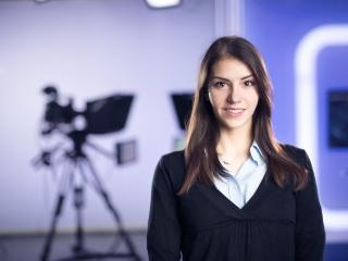 女性アナウンサーの画像