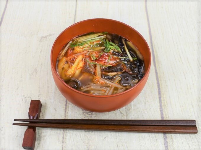お椀に移した「麻辣春雨スープ」の画像