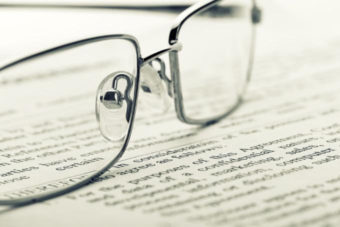 老眼鏡と小さな文字