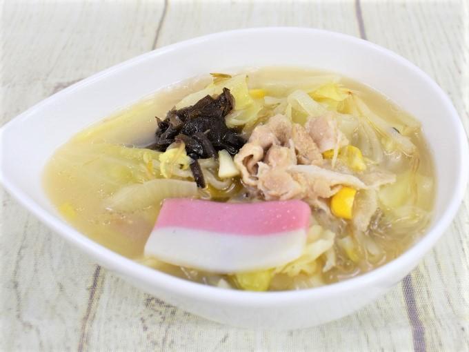 お皿に盛った「豆乳仕立てのちゃんぽん春雨スープ」の画像