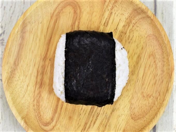 お皿にのせられた「具、たっぷり! ピリ辛高菜明太」の画像