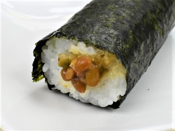 「手巻寿司 ツーンと辛い!わさび納豆巻」をアップにした画像