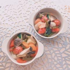 カラフル野菜ときのこのアヒージョ