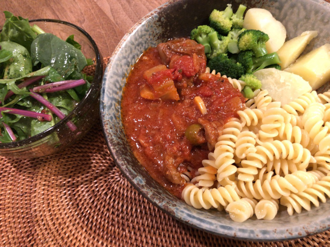 これでは無限に食べられてしまう。牛すじのトマト煮込みをル・クルーゼで大量作り置き#Omezaトーク