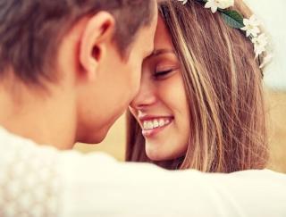 5〜7月生まれの6月の運勢。愛情に満ちて幸せホルモンがアップ! ラッキーアイテムは「赤い小物」