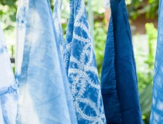 """藍色の石けんで美肌になれる♪""""藍染め""""に使われる藍の意外な活用法"""