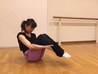 バレエダンサーが教える、体幹を鍛えるストレッチ3STEP<上級編>