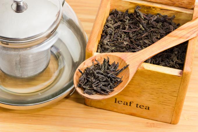 茶葉とティーポット