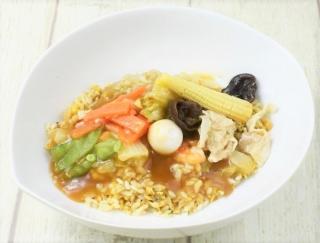 糖質40g未満の本格炒飯! 1食分の野菜が食べられるローソンの「9品目の中華あんかけ炒飯」